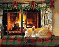 Котик у камина
