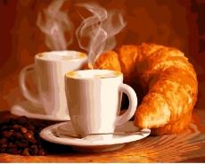 Кофе с круасаном