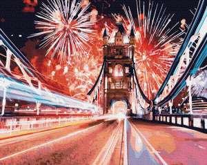Фейерверки над мостом