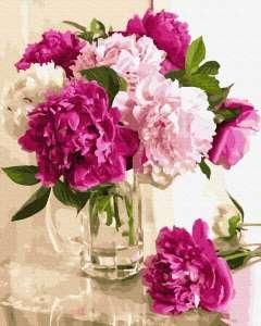 Нежные пионы в вазе