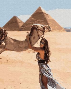 Девушка в Египте